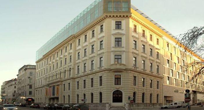 hotel-savoyen-vienna-building-compressor